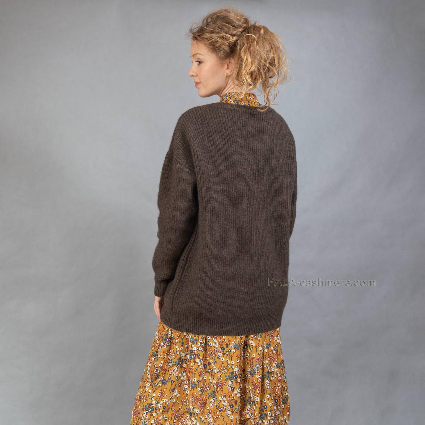 Вязаный женский джемпер шерсть яка