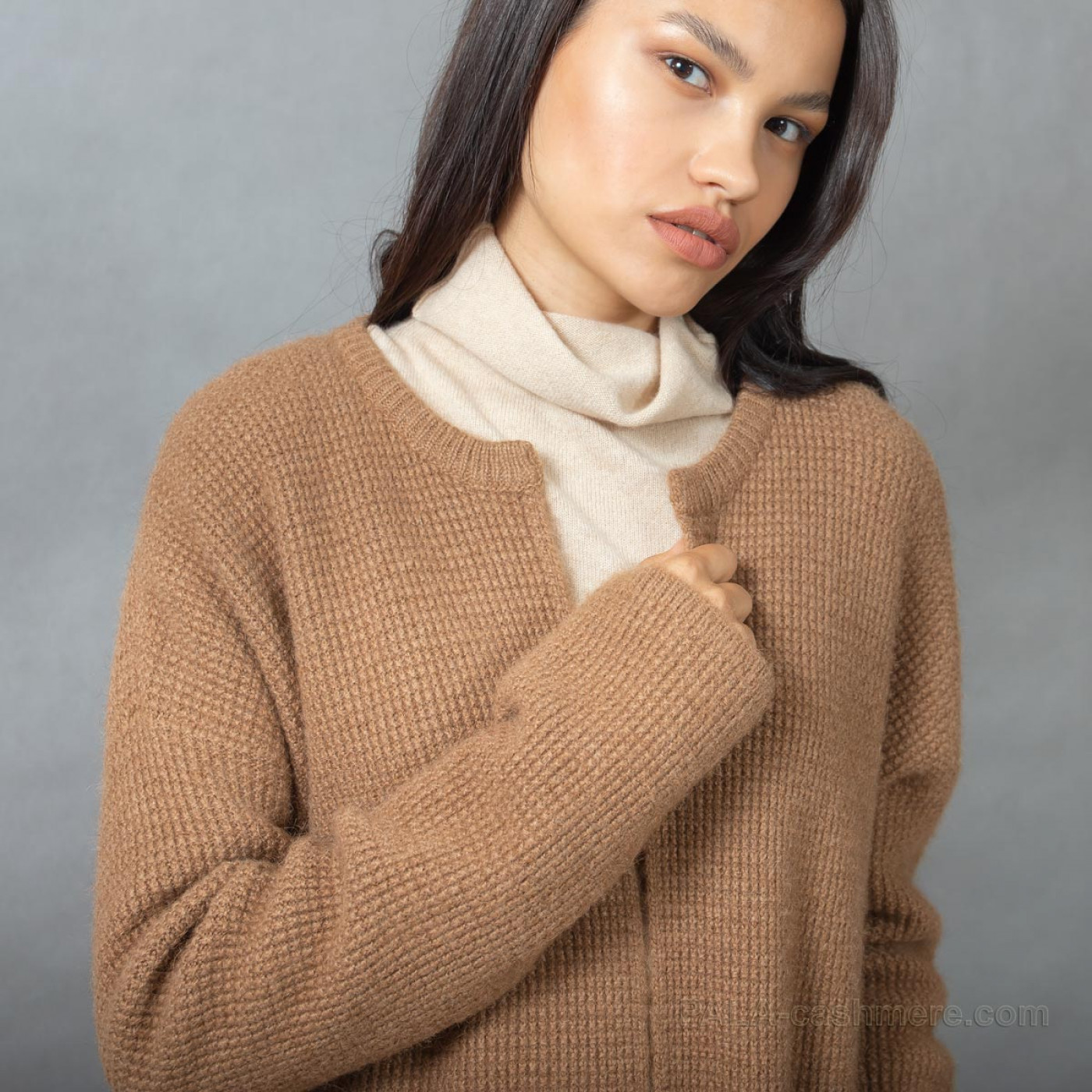 Camel wool cardigan with pockets