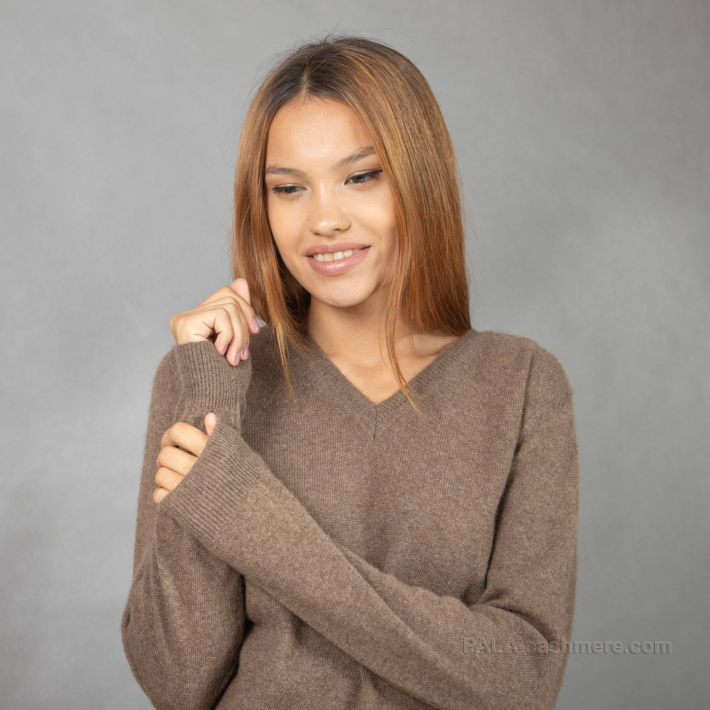 Female yak wool pullover