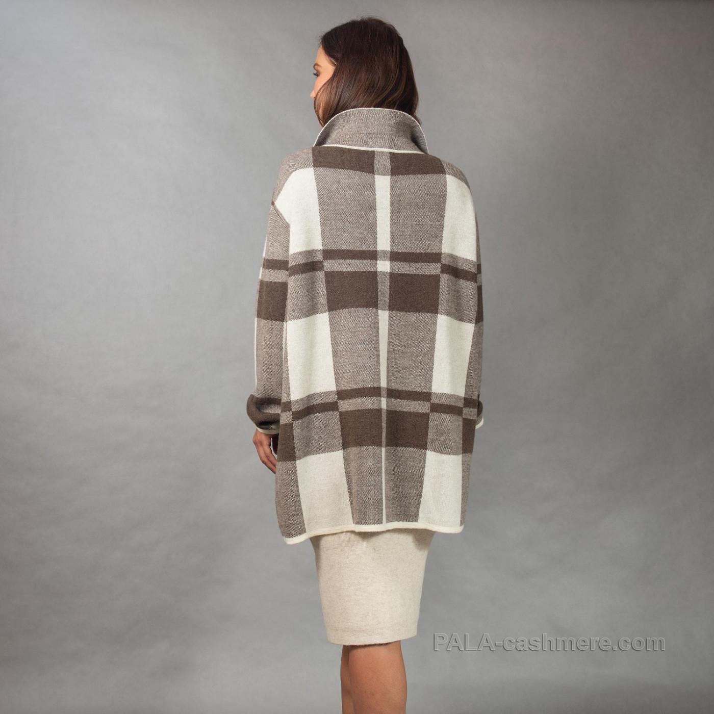 Пальто трикотажное женское на пуговицах
