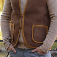 Camel vest made of woven male canvas