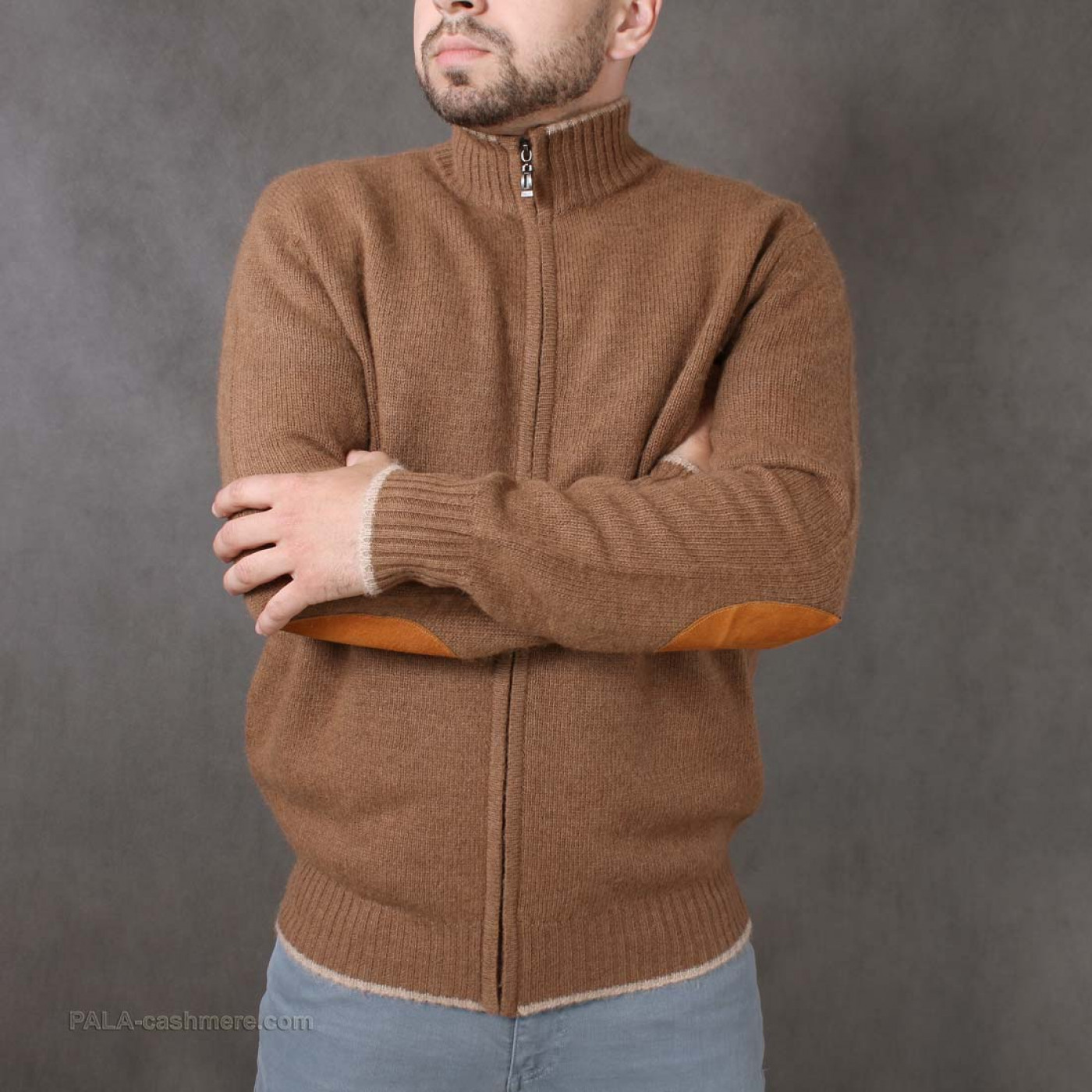 Cardigan male out of camel hair with zipper