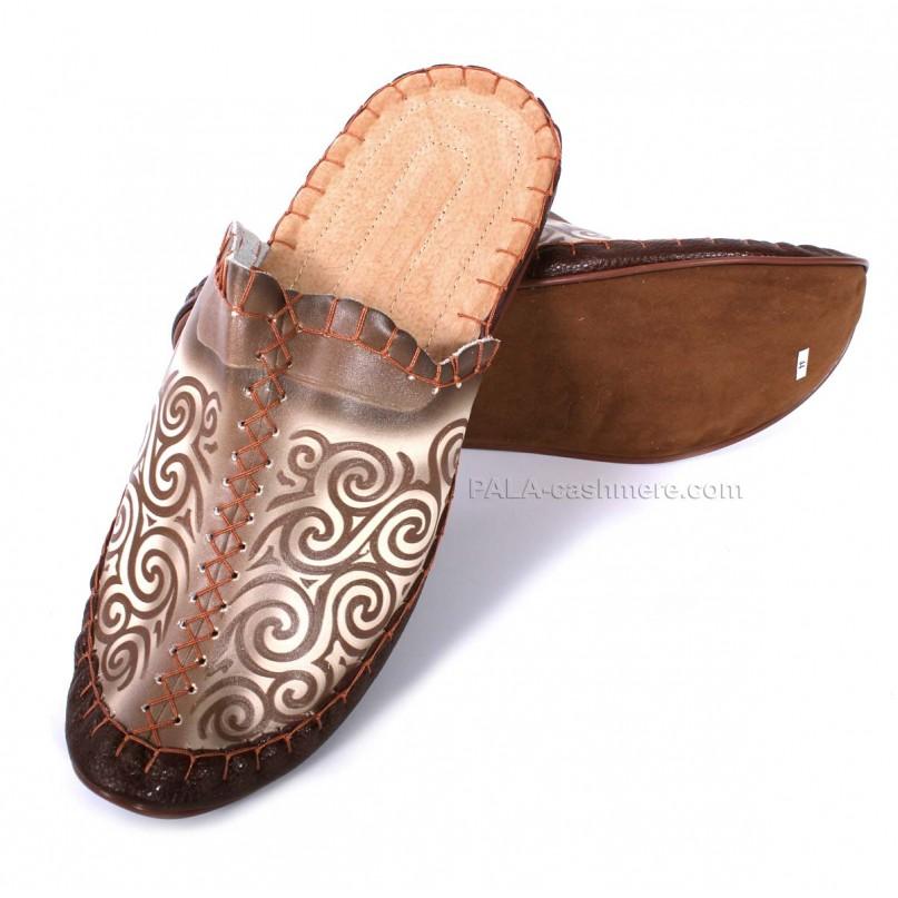 Тапки кожаные коричневые