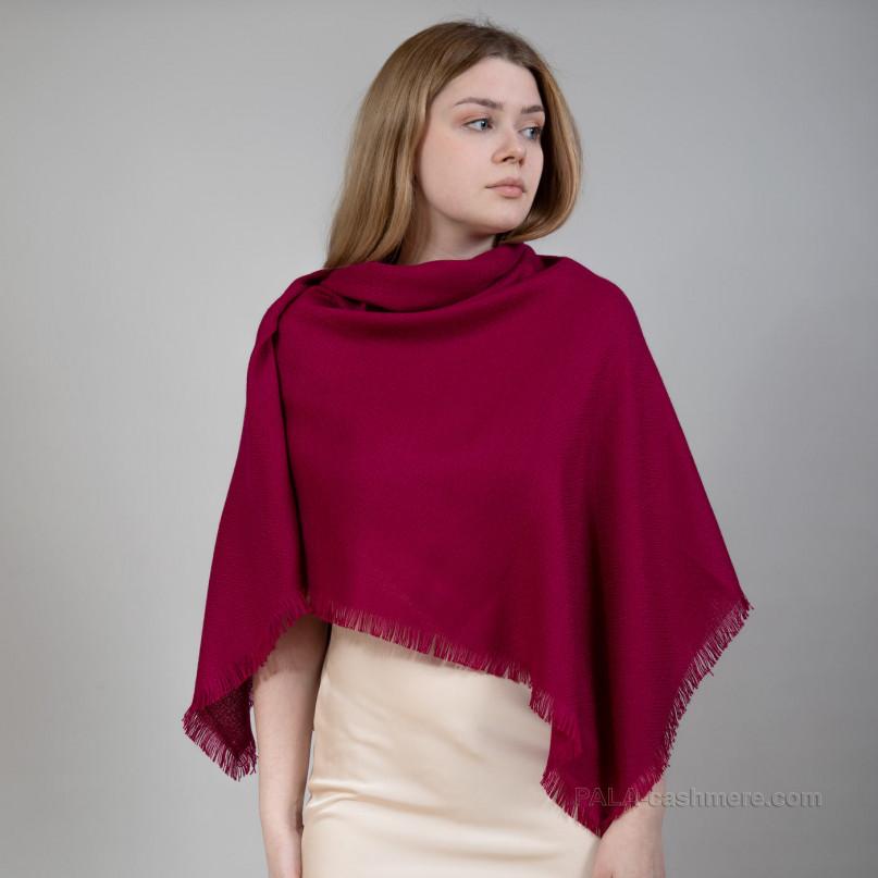 Бордовый платок из шерсти