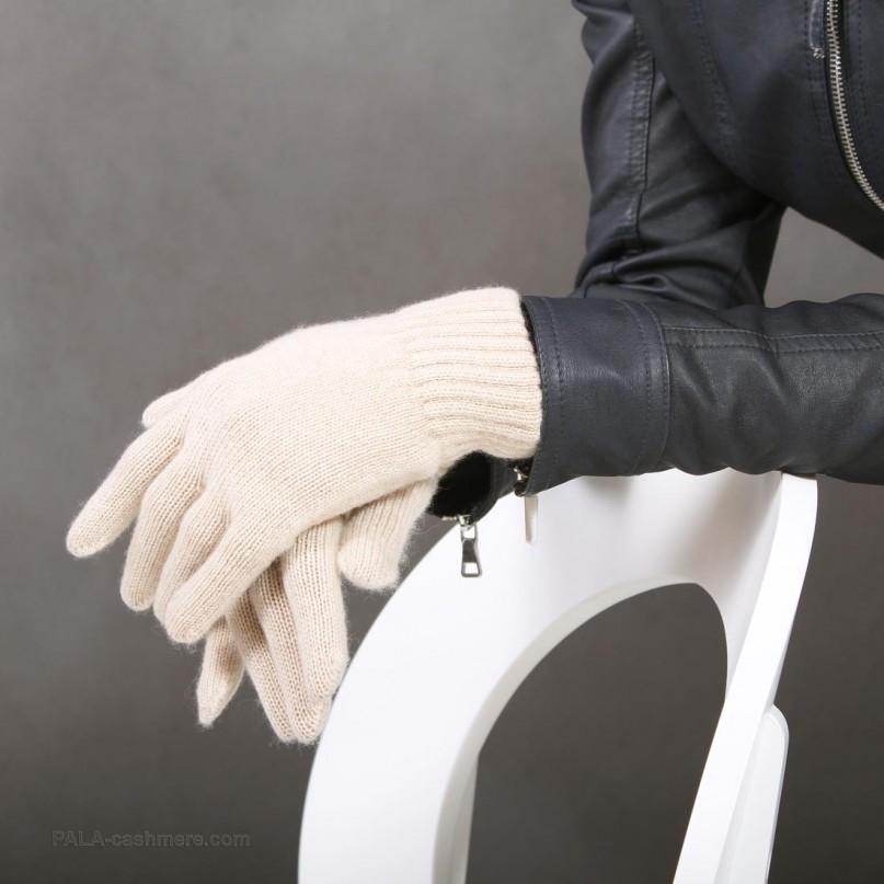 Перчатки кашемировые бежевые