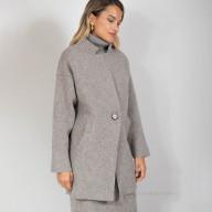 Пальто трикотажное на пуговице