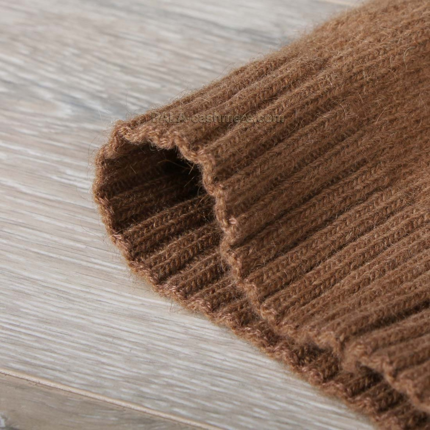 Camel Wool Knitted Knee