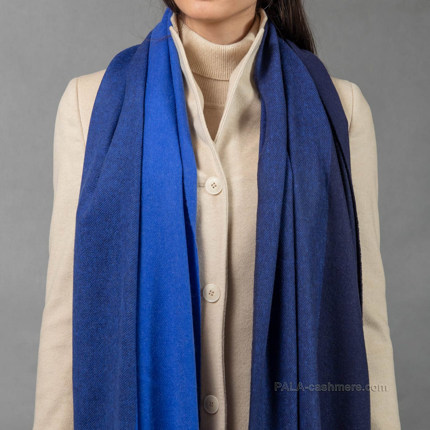 Синий кашемировый палантин