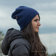 Синяя шапка кашемировая