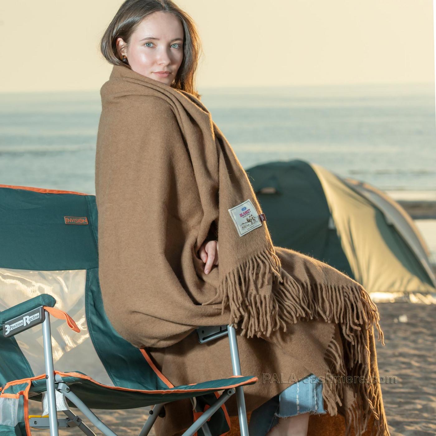 Плед из верблюжьей шерсти теплый