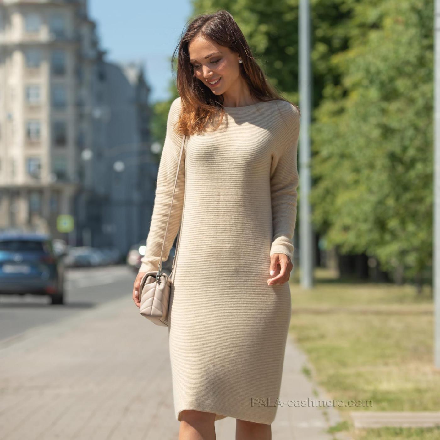 Кашемировое платье светлое