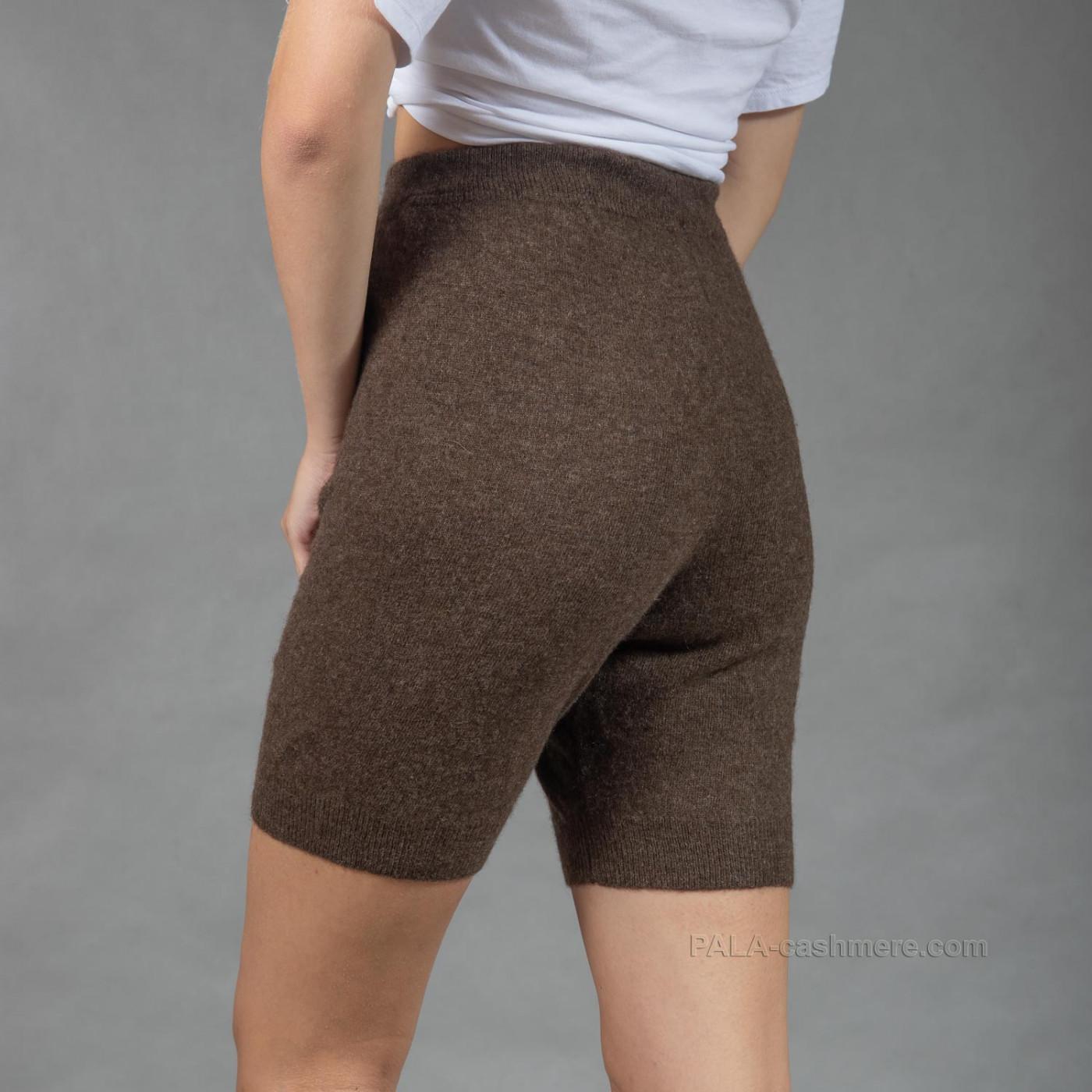 Женские шорты из шерсти под одежду