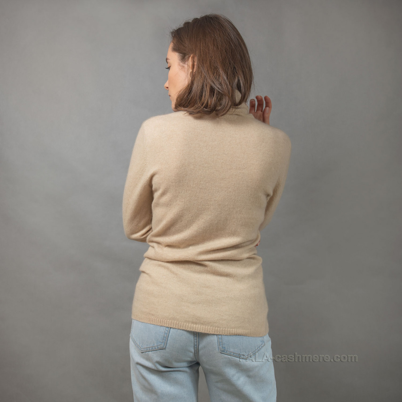 Светло-бежевый свитер из кашемира