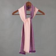 Розовый шарф из шерсти