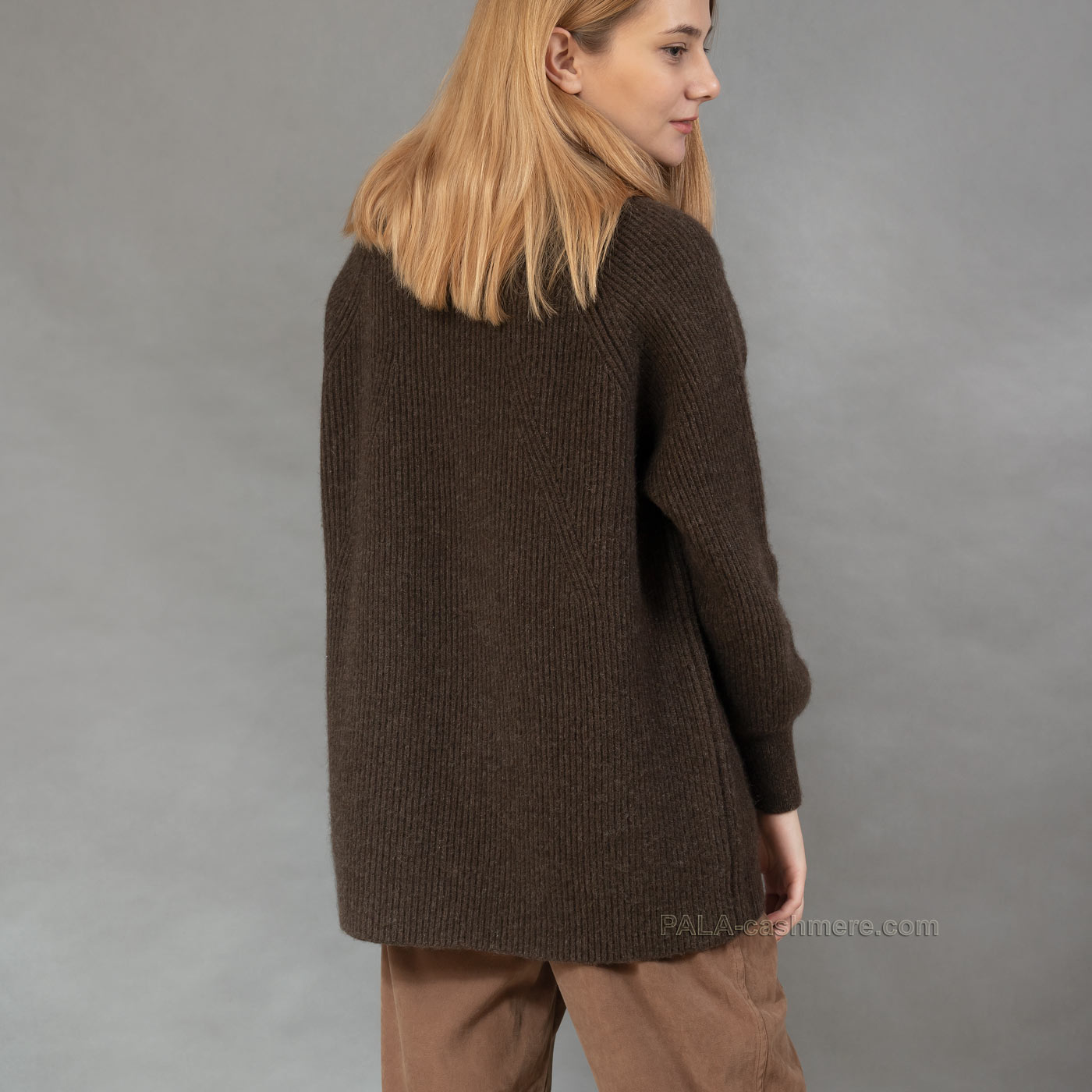 Длинный свитер из шерсти яка