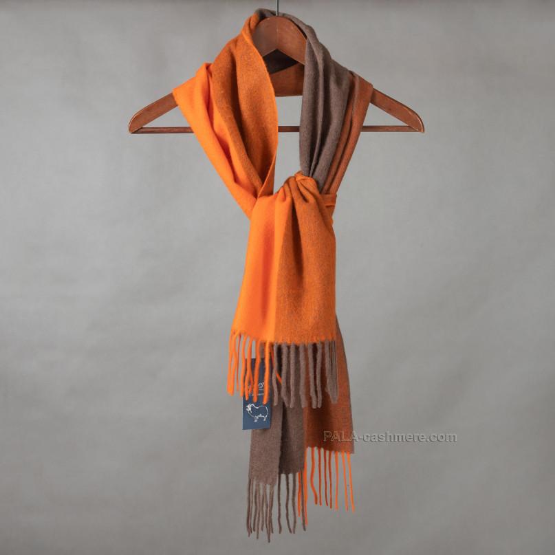 Оранжевый кашемировый шарф с кистями