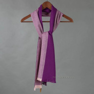 Фиолетовый шарф из шерсти