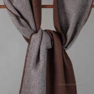 Коричневый шарф из шерсти