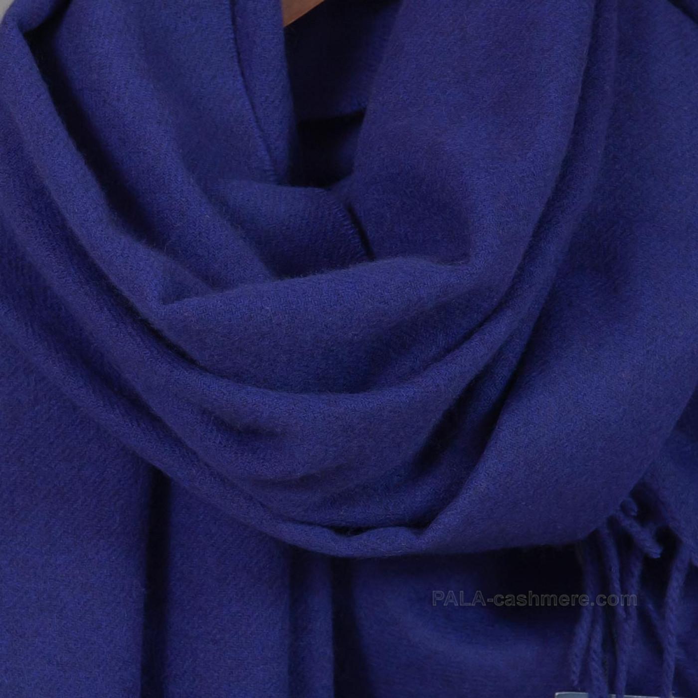 Синий палантин из кашемира