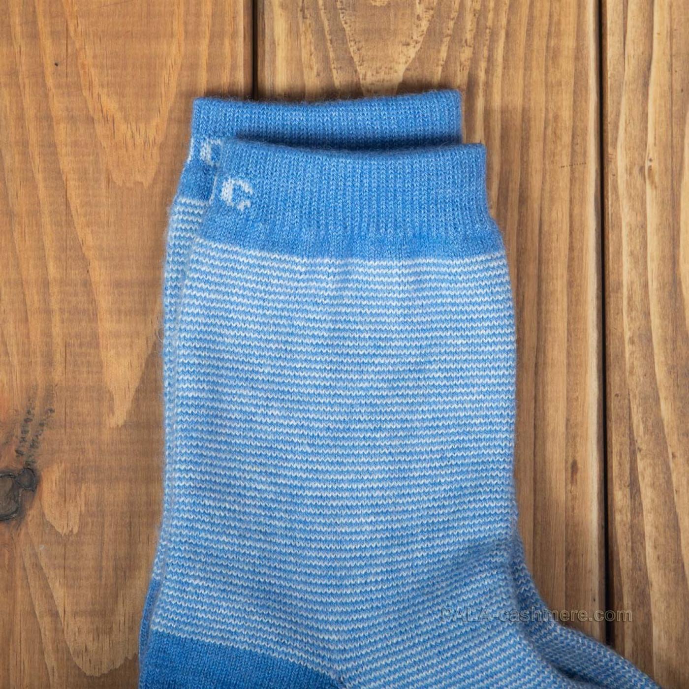 Носки из овечьей шерсти голубые