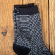 Серые носки из овечьей шерсти