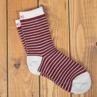 Красные носки из шерсти с полосками