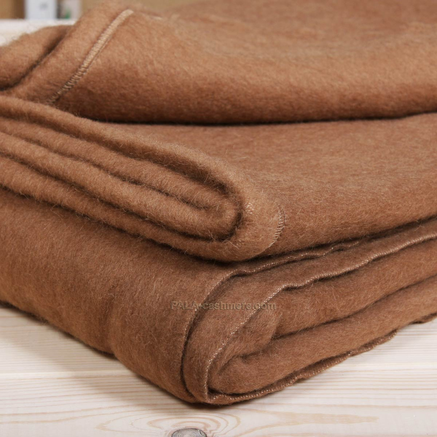 Одеяло из верблюжьей шерсти 200х250