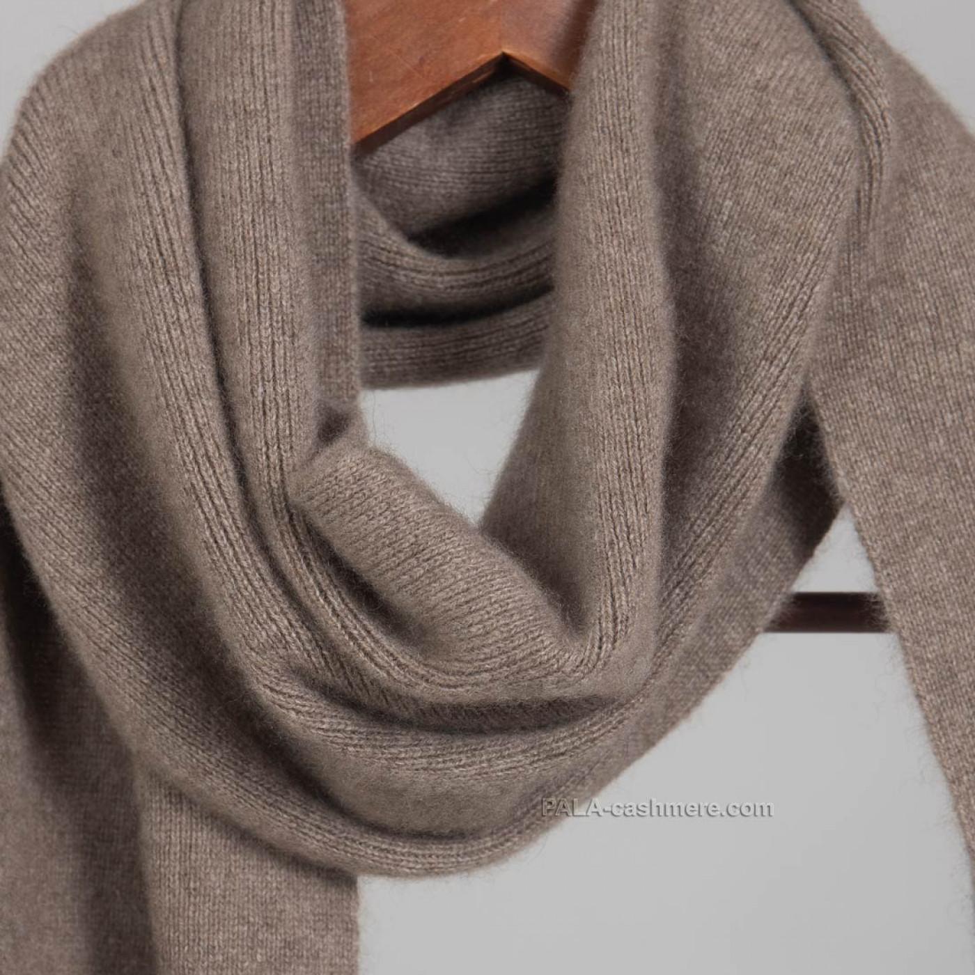 Кашемировый шарф натурального цвета