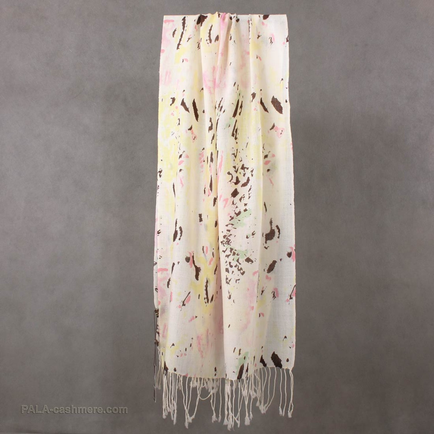 Wool shawl with abstract print