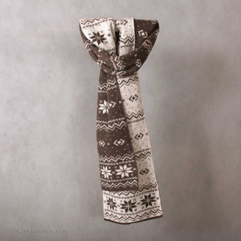 "Yak wool scarf with a pattern of ""snowflake"""