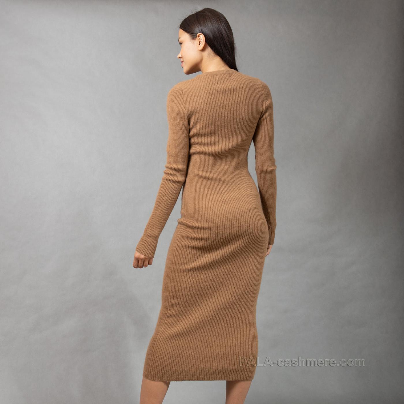 Платье из верблюжьей шерсти длинное