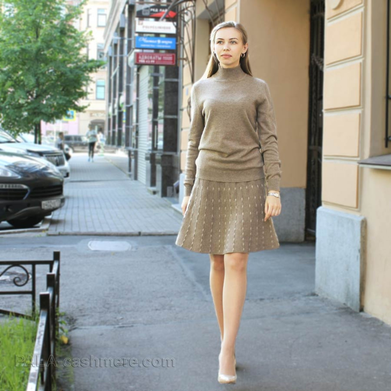 Cashmere sweater female beige