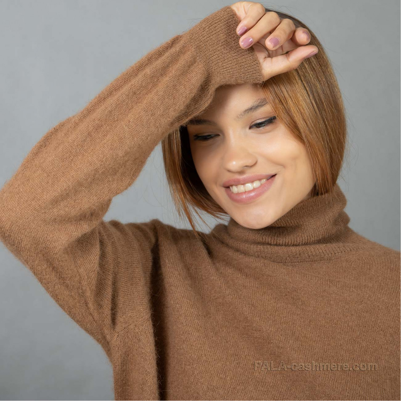 Свитер женский из верблюжьей шерсти тонкий