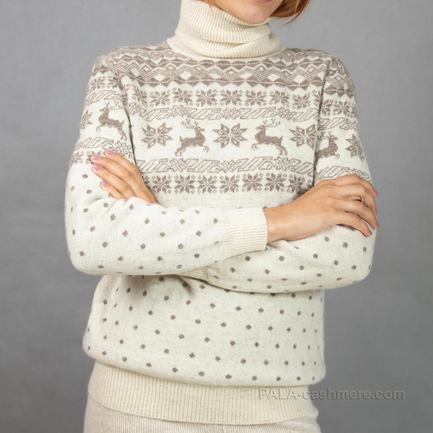 Women's wool sweater with deer's