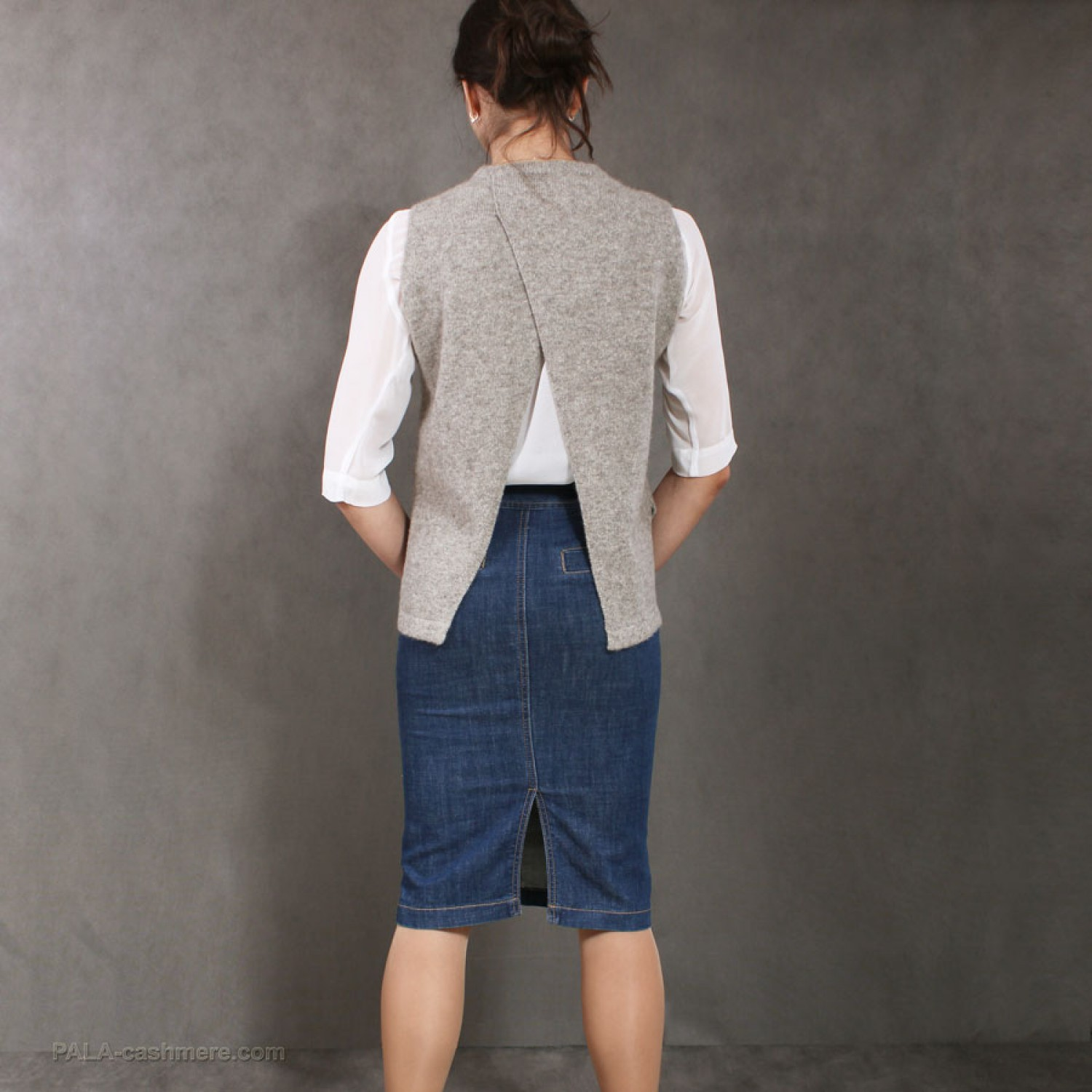 Women's Yak wool Waistcoat  with a cut on the back